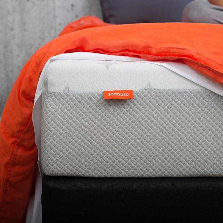sommuto mattress edge or closeup view