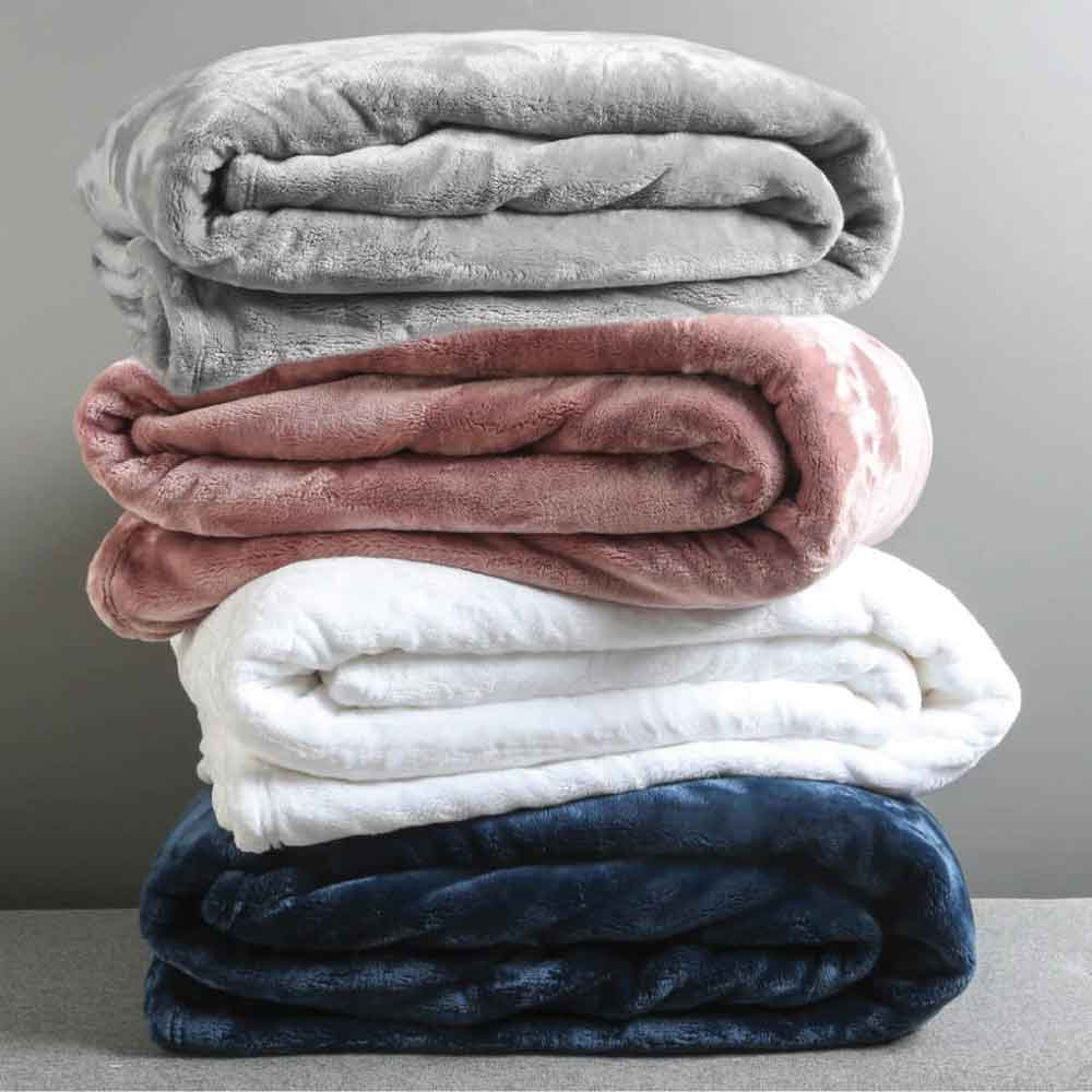 Best Microfibre Blanket: Pillow Talk Luxe Microfibre Blanket